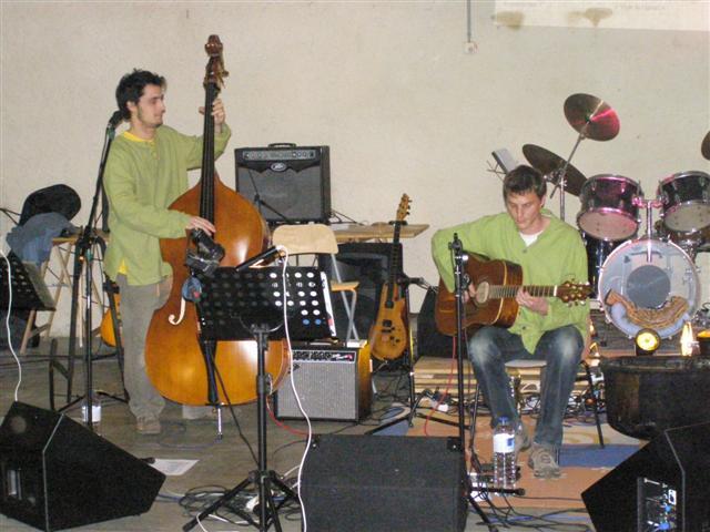 concertmars2011044small.jpg